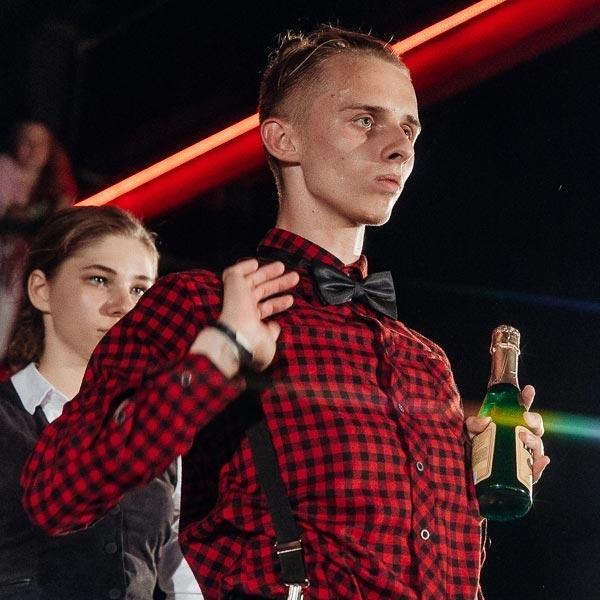 Владимир Овсянников преподаватель по танцу Вог