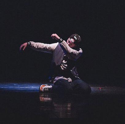 Преподаватель танцев по направления Locking и Afro House